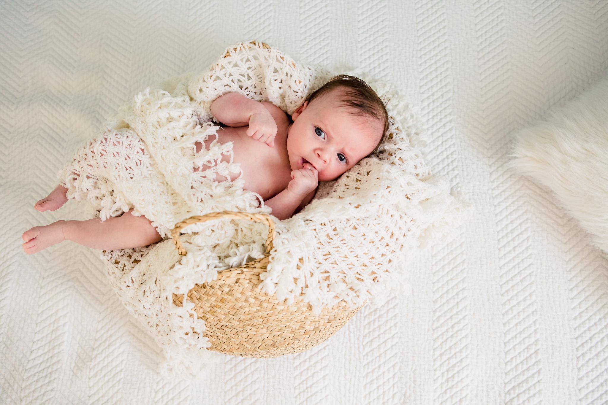 photographe bébé et naissance à gruissan