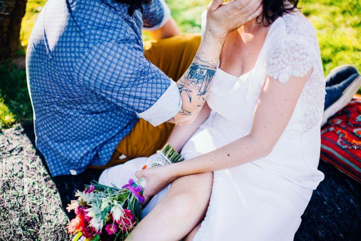 photographe mariage saint jean de luz mariés tatoués l'artisan tatoueur