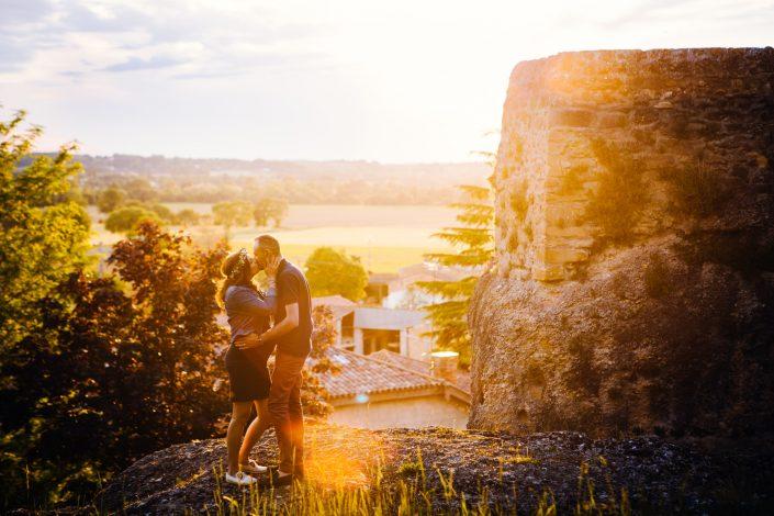 séance photo grossesse nature en Ariège, golden hour
