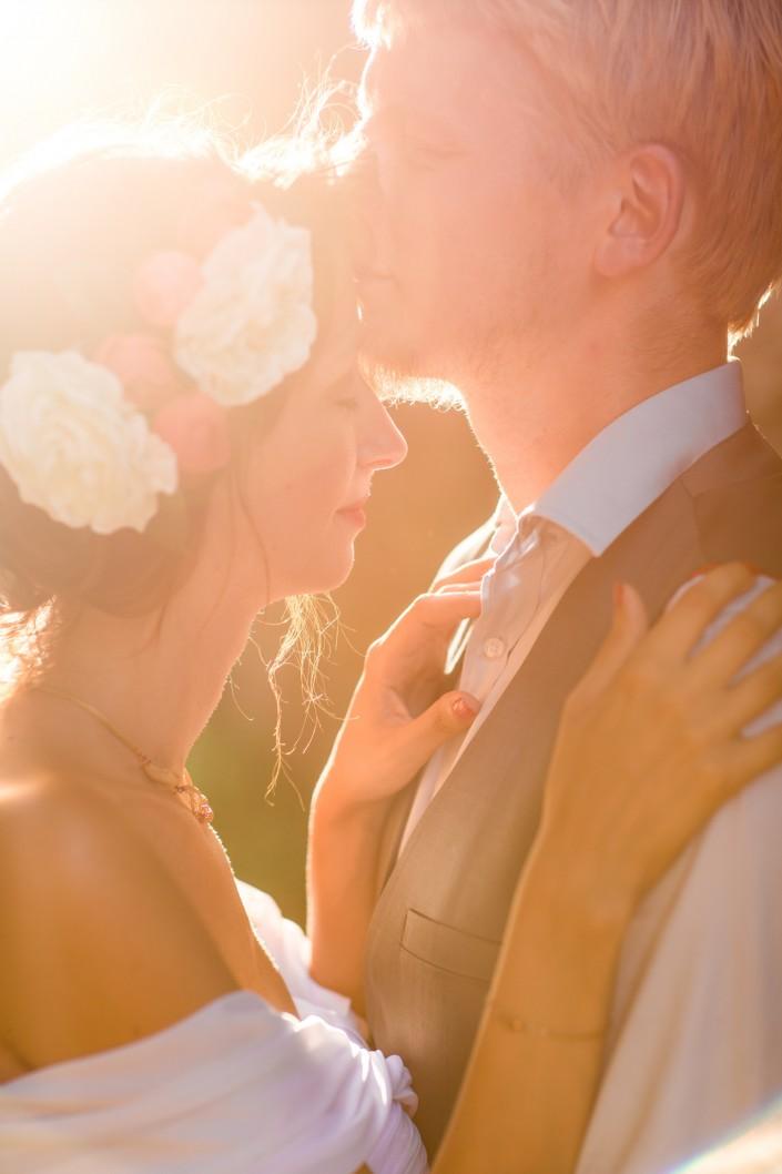 couple au coucher du soleil à cordes sur ciel