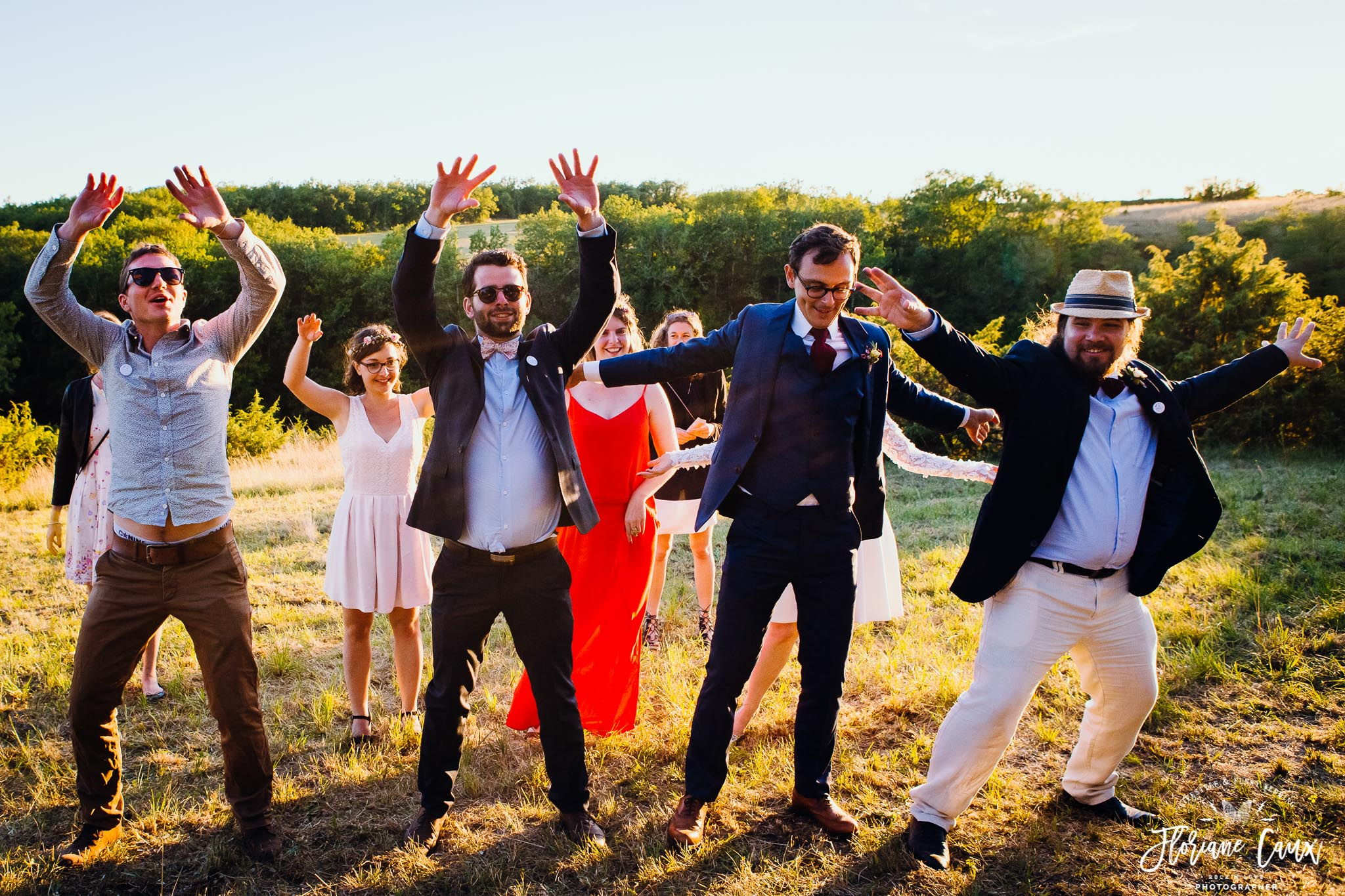 photos-de-groupes-originales-mariage-cahors-golden-hour-15