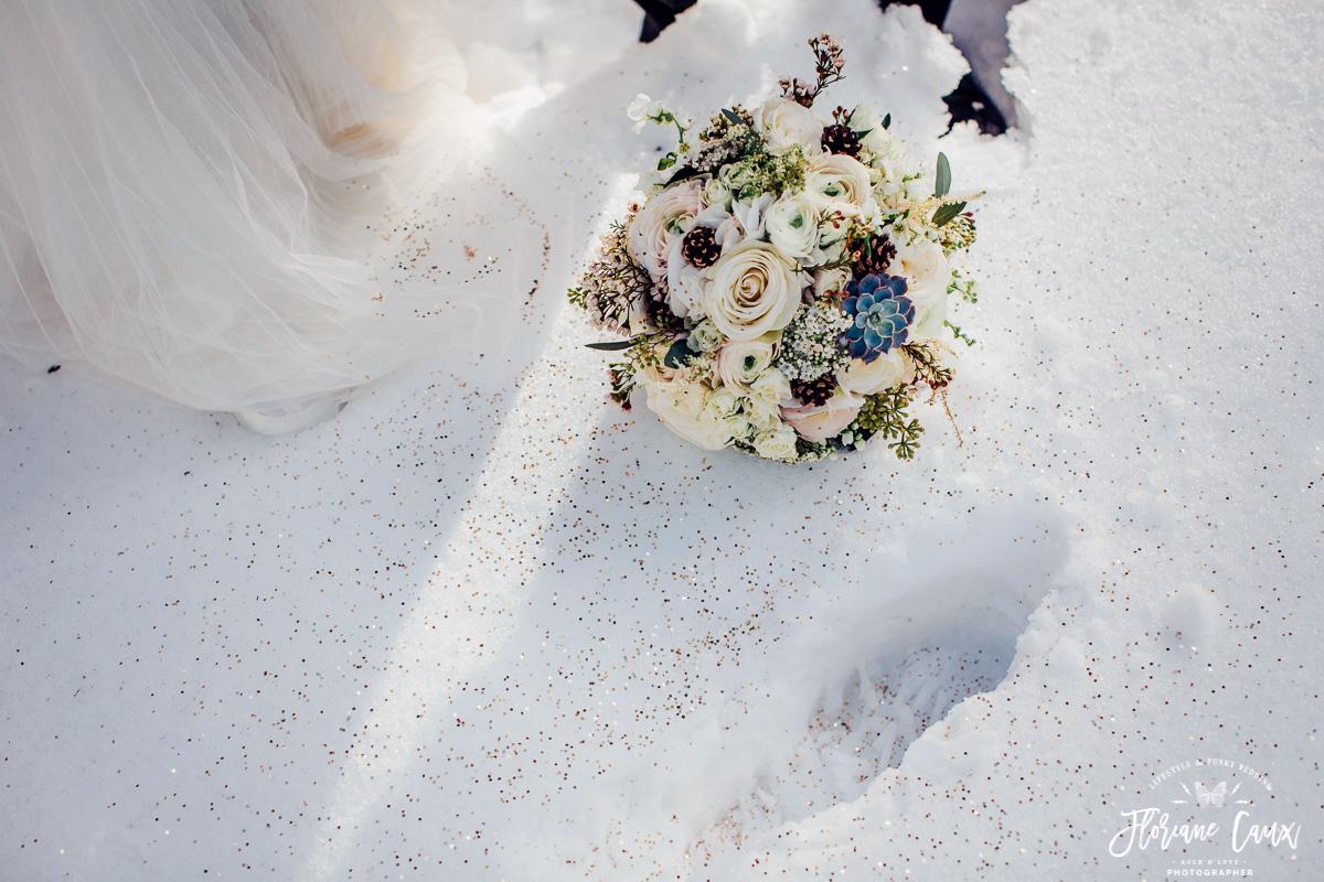 mariage en ariège, bouquet Poppy Figue Flower dans la neige