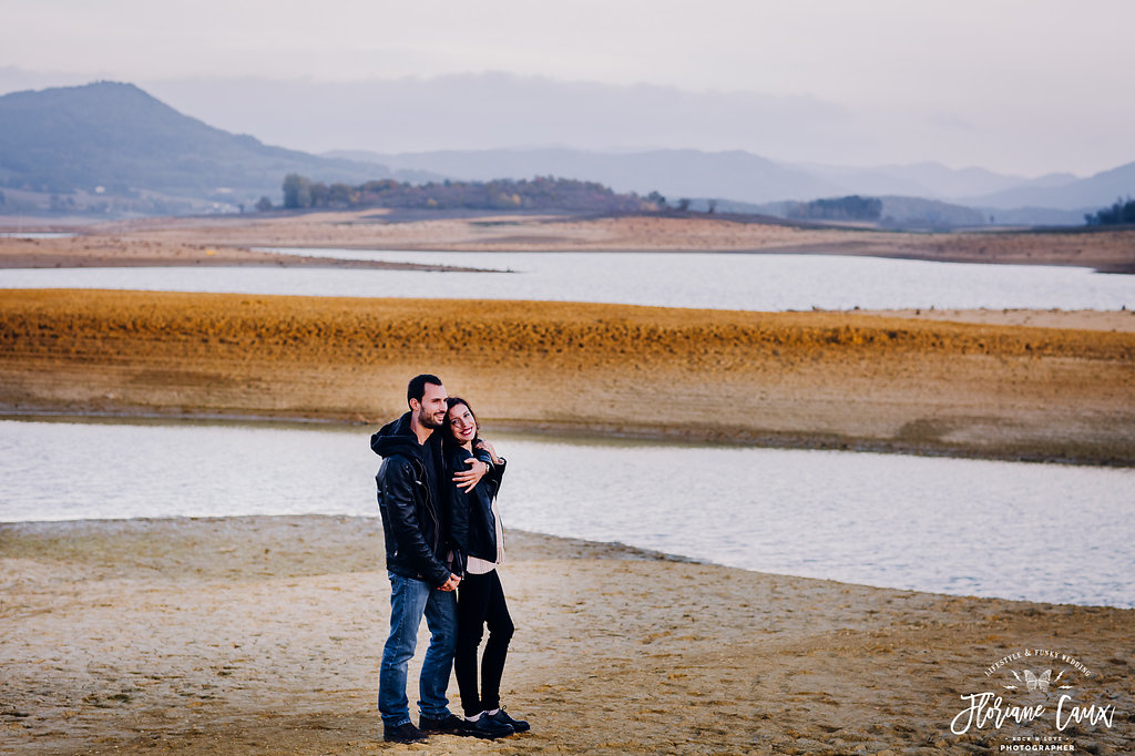 seance-photo-couple-lac-desert-ariege (25)